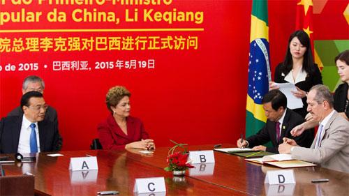 Brasil e China assinam protocolo para o satélite CBERS-4A
