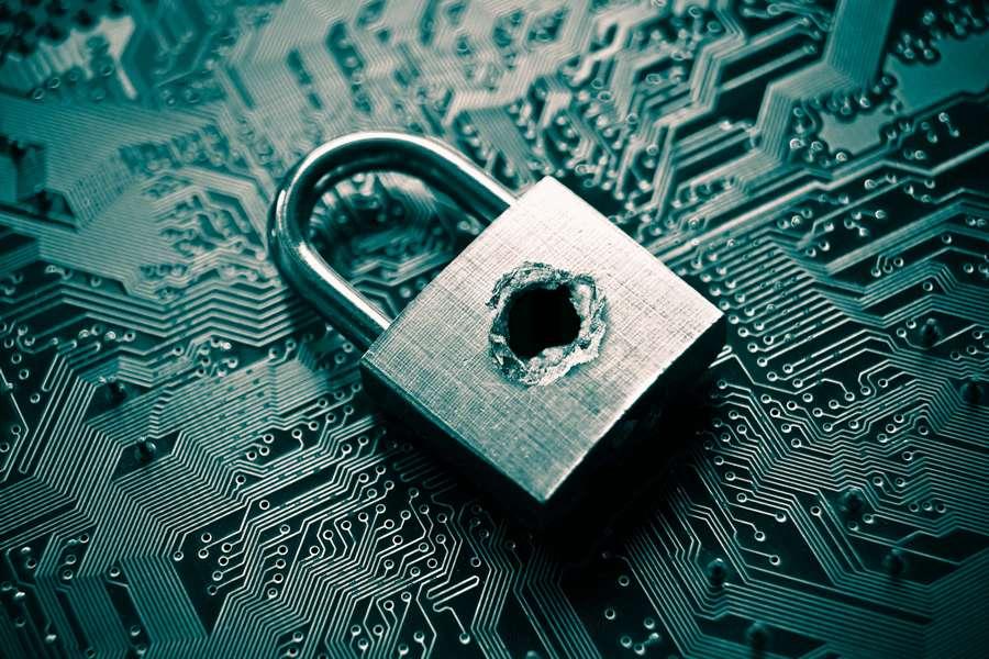 Como ataques cibernéticos podem afetar a reputação de uma empresa?